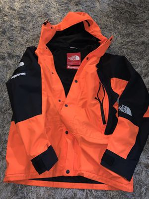 The north face supreme jacket for Sale in Dallas, TX