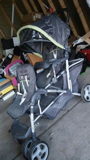 Graco Double stroller for Sale in Lincoln Park, MI