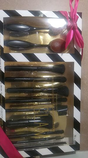 11 Piece Cosmetic Makeup Brush Collection for Sale in Atlanta, GA