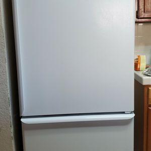 Fridge with Freezer for Sale in Stockton, CA