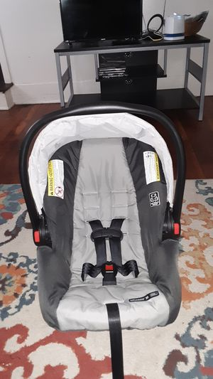 Graco infant snugride 30 click connect for Sale in Struthers, OH