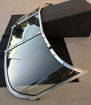 WINDSHIELD for OPEN BOW BOAT for Sale in Perris, CA
