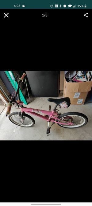Girls 20 in bike bicycle for Sale in Covina, CA