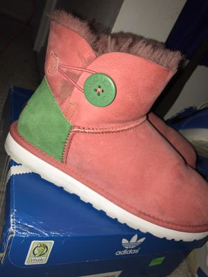 Women Uggs size 8 for Sale in Portland, OR