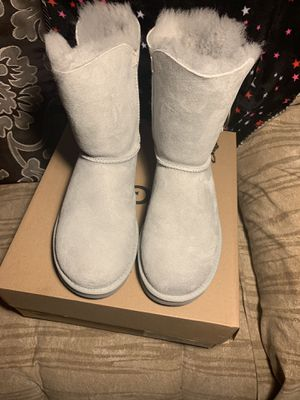 New and authentic Ugg Boots color Gray size 7 for Sale in Westminster, CA