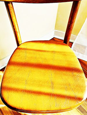 Wooden Shelby Williams Industries MCM chairs (4) with leather seat cushion. for Sale in Clarksburg, WV