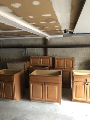 Kitchen cabinets for Sale in Atlantic Highlands, NJ
