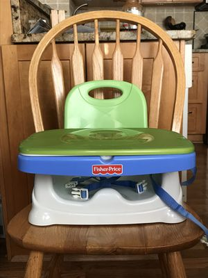 Fisher Price Deluxe Booster Seat for Sale in Newtown, PA