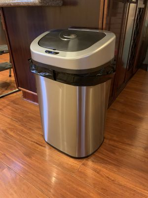 Large touchless trash can for Sale in Orange, CA