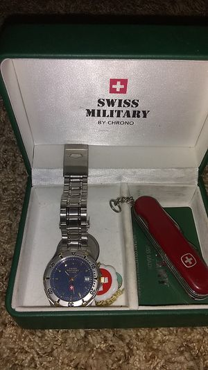 Swiss military by chrono watch and knife gift set for Sale in Phoenix, AZ