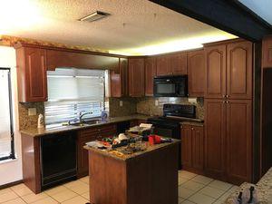 Kitchen cabinets, granite backsplash, granite countertop for Sale in Pembroke Pines, FL