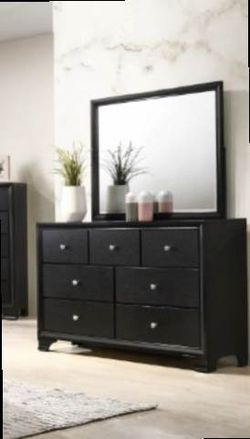 Queen Frame Dresser Mirror One Night Stand for Sale in Pomona,  CA