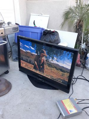 Tv works good size 40 x 30 inch tall $60 pick up today for Sale in Winchester, CA