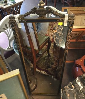 BEAUTIFUL VINTAGE/ ANTIQUE MIRROR for Sale in Portland, OR