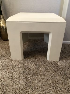 Heavy white accent table for Sale in Gilbert, AZ