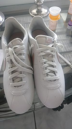 Brand new pair of Nike tennis shoes never used size for Sale in West Palm Beach, FL