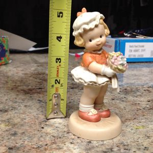 Adorable Yesterday's Memories Collectible Vintage 1993 statue Figurine ONLY $15 for Sale in Tempe, AZ