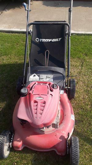 Briggs & Stratton lawn mower for Sale in Bakersfield, CA