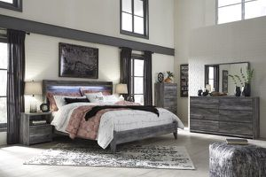 Beautiful 4 pc Queen Bedroom Set (Just $54 Down) for Sale in Duncanville, TX