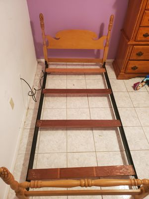 Twin bed frame for Sale in Palmetto, FL