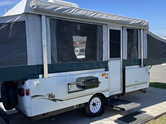 2004 Travel Trailer/Tent Trailer By Fleetwood! In Great Condidtion! for Sale in Hacienda Heights,  CA