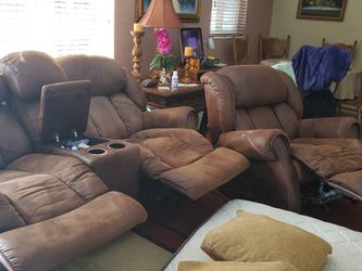 Couch Set - GOOD CONDITION STILL for Sale in Hialeah,  FL