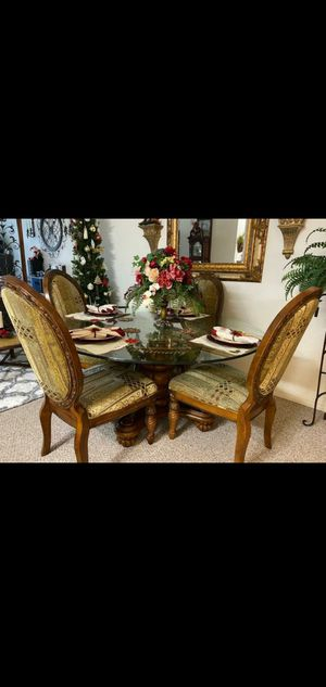 """FANCY LUXURY TABLE & WINE CONSOLE BOTH HAD MALMOL """"solid wood"""" in good conditions 🙂👍 for Sale in Casselberry, FL"""