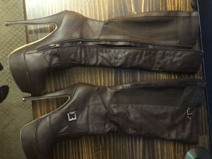 """Size 9 Zip Up 6"""" Heel Boots for Sale in South Waverly, PA"""