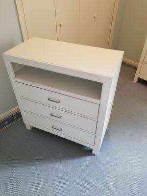 Weller 3 drawer media chest/TV stand for Sale in Alexandria, VA
