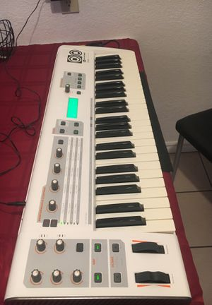 Keyboard Synth for Sale in Concord, CA