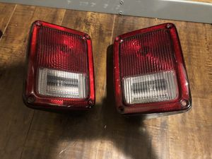 Jeep Wrangler 2015 rear tail light for Sale in Los Angeles, CA