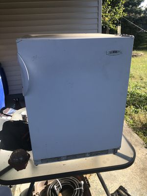 Lot of 4 mini refrigerators ALL 4 FOR $30 for Sale in Columbus, OH