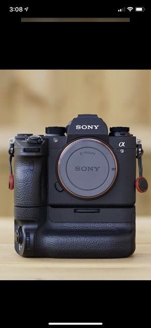 Sony A9 body with batter grip for Sale in South El Monte, CA