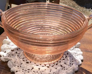 Pink Manhattan Depression Glass Bowl for Sale in Powhatan,  VA