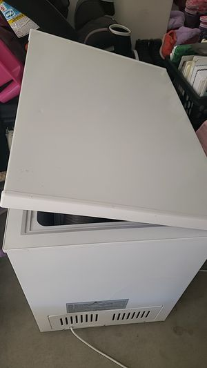 Freezer works good for Sale in Temecula, CA