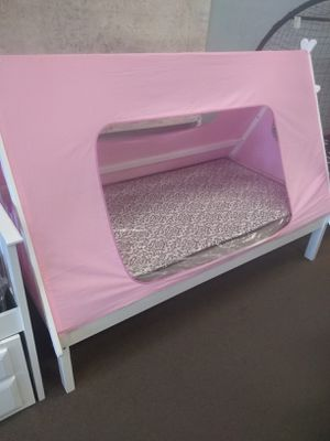 Twin size platform bed frame with Mattress included for Sale in Peoria, AZ
