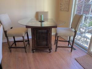 Custom Kitchen Table and 4 Bar Stools for Sale in West Mifflin, PA