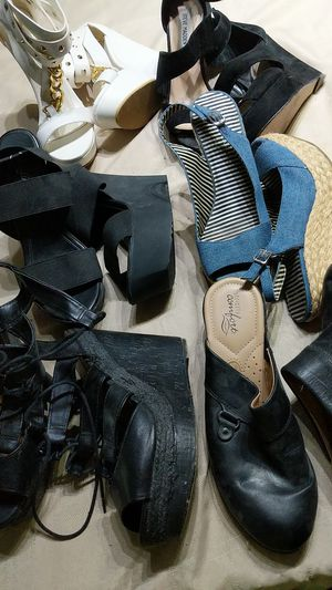 Lot of six pairs of women shoes size 9 for Sale in Tamarac, FL