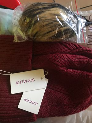 Beanie knitted Burgundy for Sale in Compton, CA