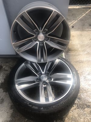 """2018 chevy camaro LT rims 20"""" only this 2 rims for sale for Sale in Miami, FL"""