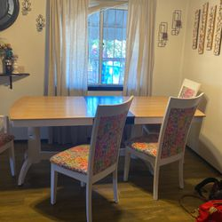 Dining Table Four Chairs for Sale in Sylmar,  CA