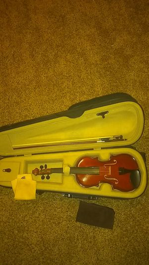 Palatino 1/4 violin in case with light brown rosin for Sale in Wichita, KS