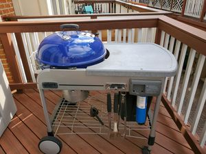 "22.5"" Weber Charcoal Performer Grill with Gas Igniter for Sale in Bailey's Crossroads, VA"