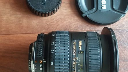 NIKON CAMERA LENS 18-35MM for Sale in Malden,  MA