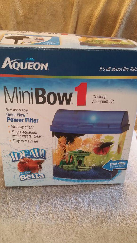 Aqueon mini bow aquarium