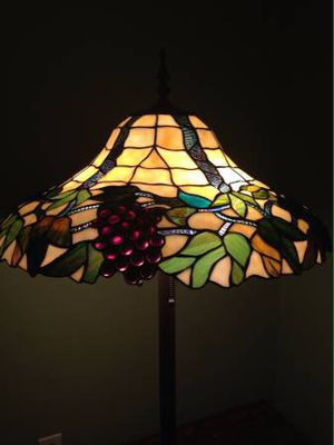 Tiffany Style Floor Lamp with Grapes for Sale in Orlando, FL