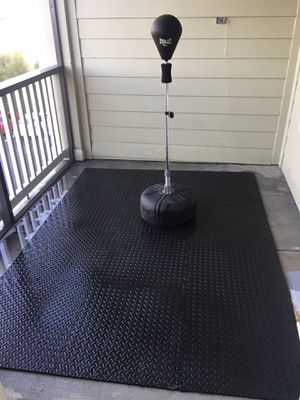 Everlast Reflex Speed Bag and Gym May Set (12 Tiles) for Sale in St. Petersburg, FL