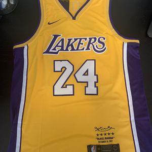 Kobe Bryant 24 Yellow 2017 Los Angeles Lakers for Sale in Burbank, CA