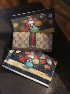 Gucci Nice Tess wallet for Sale in Tinicum Township, PA