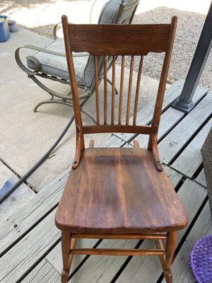 Antique Rocking Chair for Sale in Albuquerque, NM